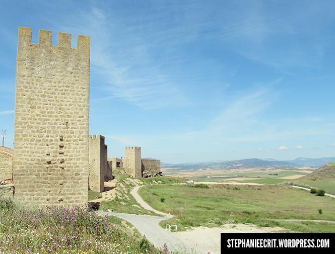 11 - Sur les traces du roi des ombres - remparts d'Artajona