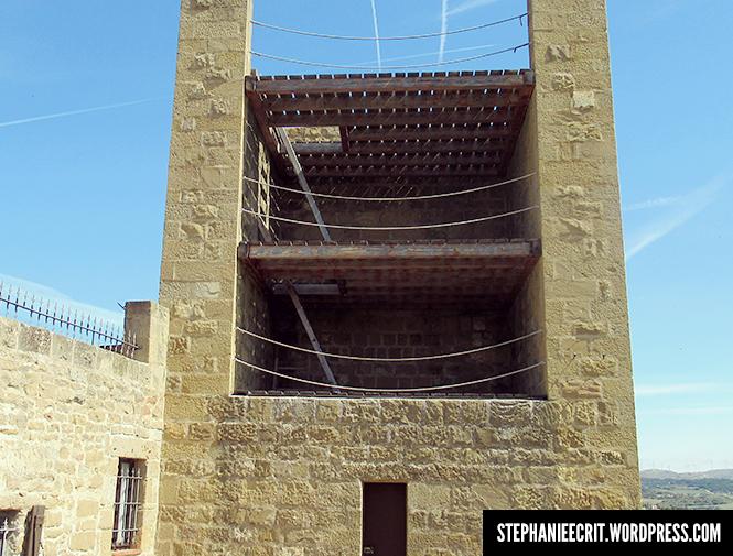 11 - Sur les traces du roi des ombres - tour de garde à Artajona