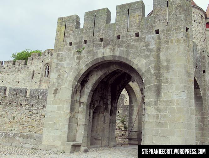 08 - Sur les traces du roi des ombres - Porte avec pont levis
